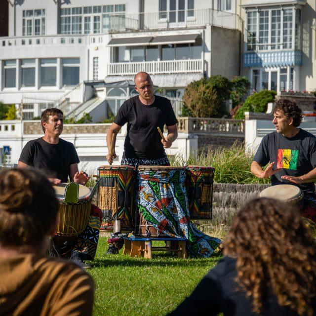 Groupe percussion inconnu., Fête de la Musique du Havre 2020. Sony A6400 Sony 18-105mm F4. Le Havre 21/06/2020.