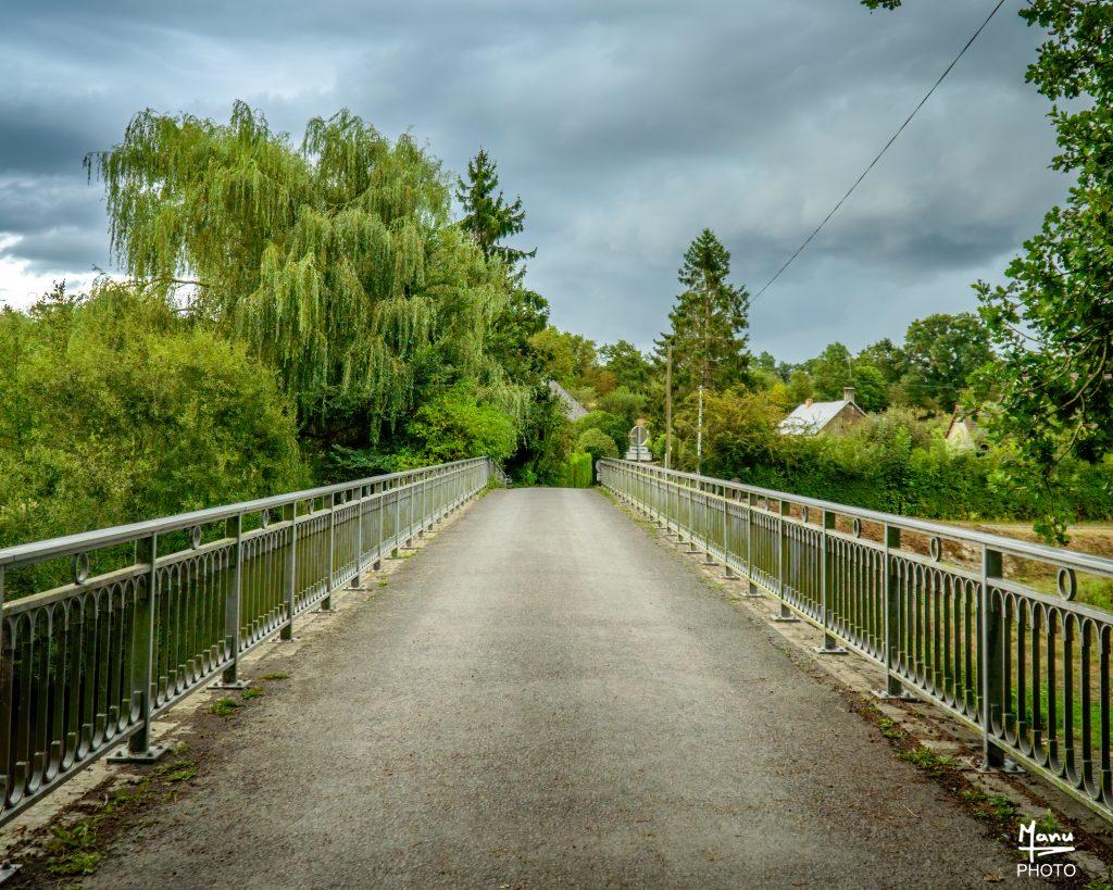 Pont de la route du Moulin de la Roque. Sony A6400 Sony 18-105mm F4. Condé sur Vire 17/08/2020.
