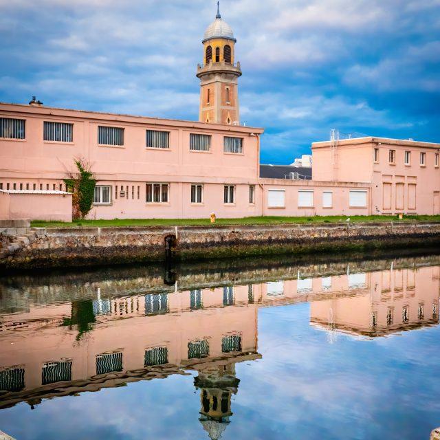 La tour des Dockers, Quai de la Meuse. Sony A6400 Sony 18-105mm F4. Le Havre 31/08/2020.